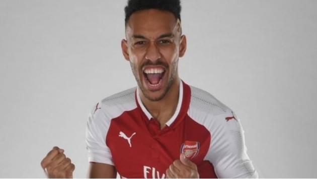 Pierre-Emerick Aubameyang dejó el Borussia Dortmund y ficha por Arsenal