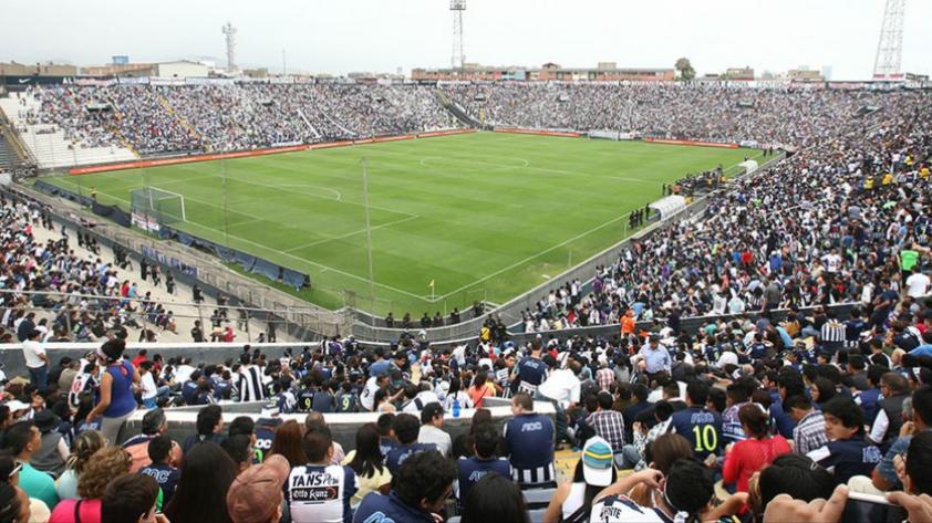 """""""El estadio de Alianza Lima es el más futbolero del país"""""""