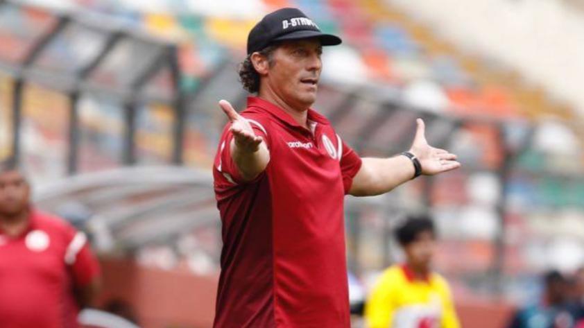 Pedro Troglio: Entrenador ya está en Argentina para firmar por Gimnasia y Esgrima