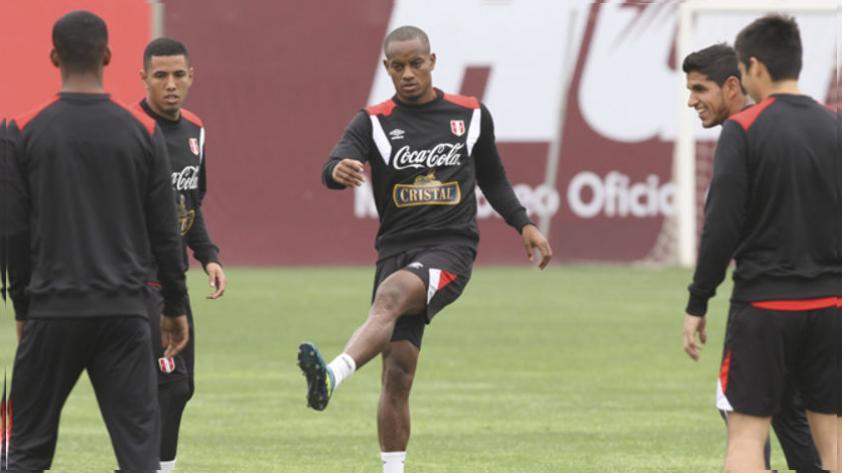 """André Carrillo: """"Estamos a un paso de cambiar el fútbol peruano"""""""