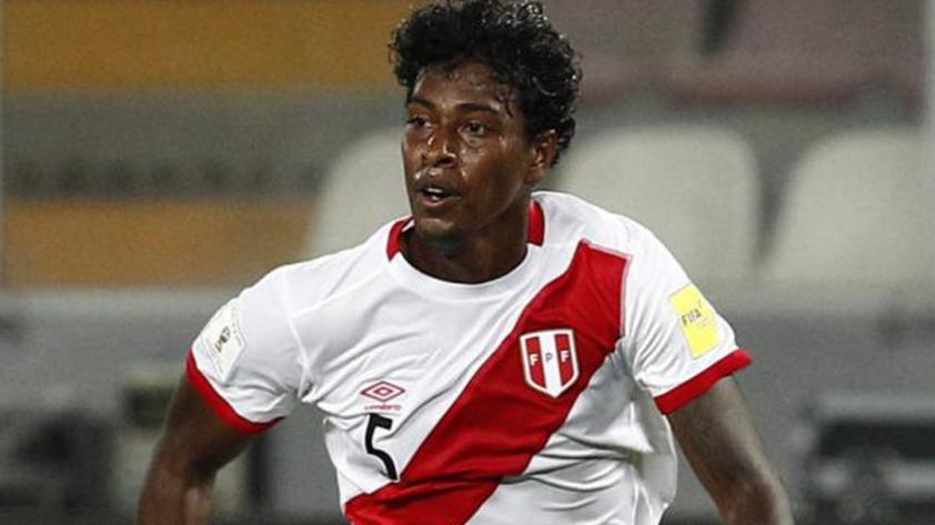 Miguel Araujo sale lesionado durante partido ante Sport Huancayo