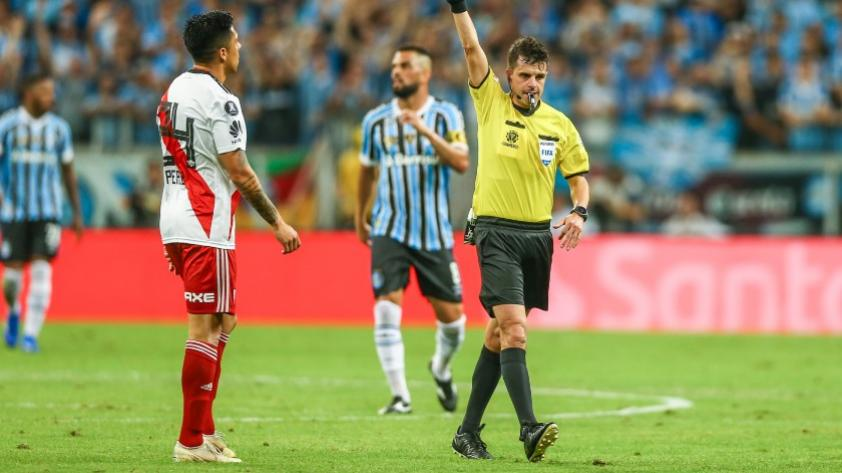 El de la mano de Ruidíaz: Andrés Cunha será el árbitro principal de la vuelta de Copa Libertadores 2018