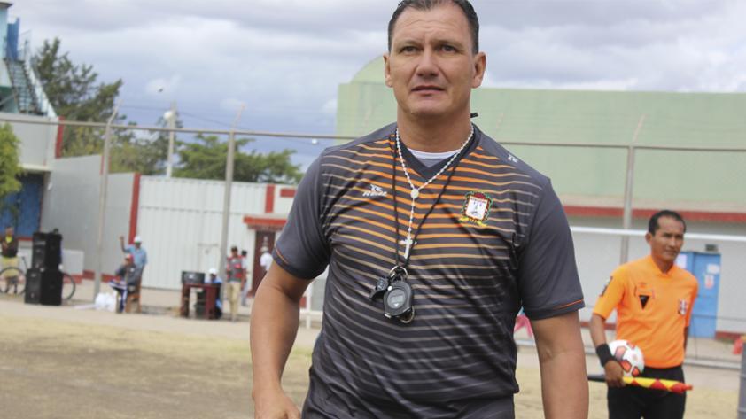 Cambio de DT en Ayacucho: asume Carlos Leeb en lugar de Francisco Melgar