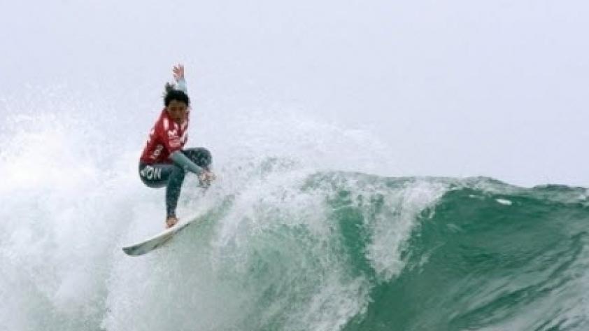 A romper las olas con Perú Surf
