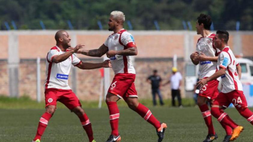 Universitario le ganó 2 - 1 a U.Comercio con gran tanto del 'Loco' Vargas