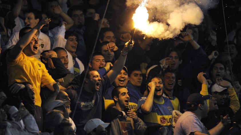 (VIDEO) Hinchas de Boca Jrs calientan la previa del Argentina vs. Perú en La Bombonera