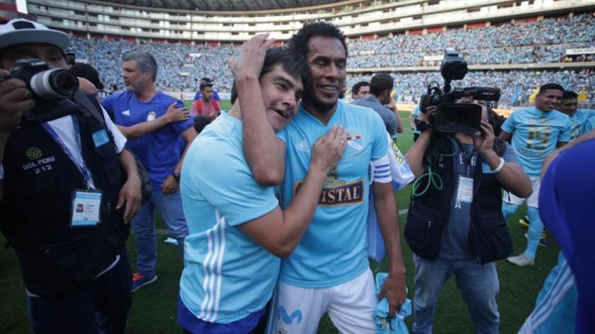 ¿El capitán celeste piensa en el retiro? así habló Lobatón tras campeonar con Sporting Cristal