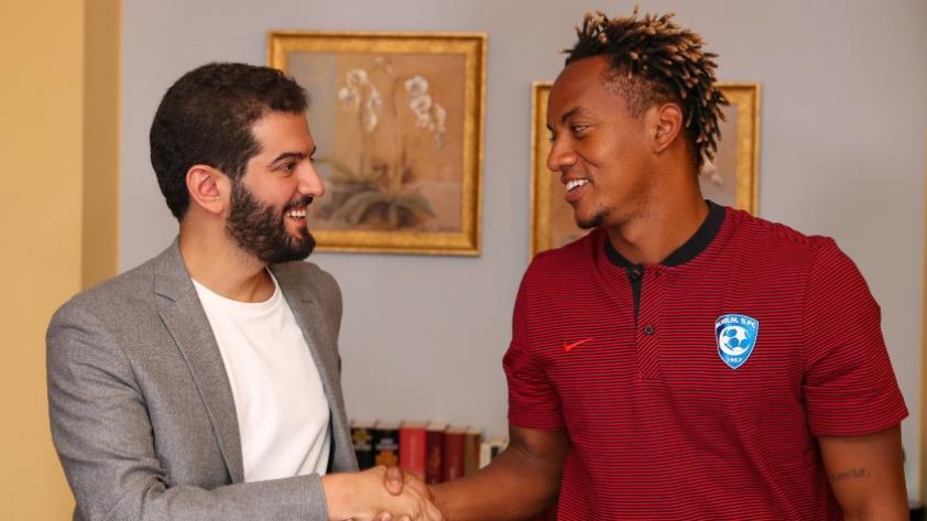 ¡La 'Culebra' regresa! André Carrillo firmó contrato con Al-Hilal de Arabia Saudita por cuatro temporadas (VIDEO)