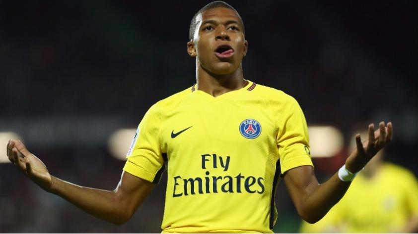 (VIDEO) El primero de Kyllian Mbappé: el francés anotó un buen gol en su debut con PSG ante Metz