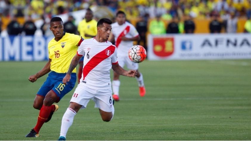 La FIFA multó a Perú por cantos homofóbicos del triunfo ante Ecuador en Quito