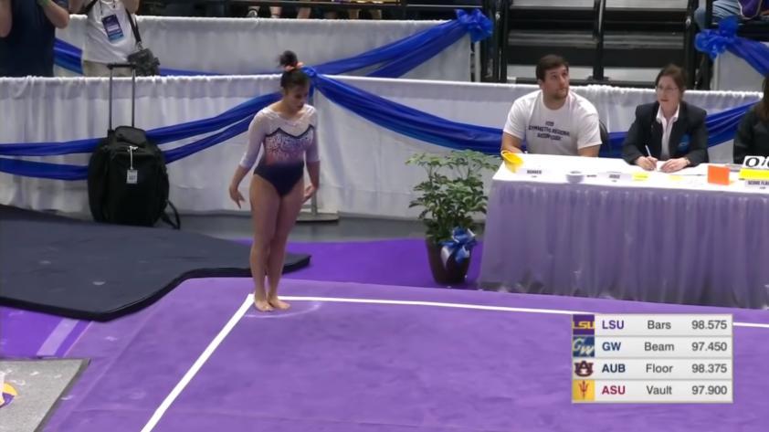 Así fue la espeluznante doble lesión de una gimnasta norteamericana [VIDEO]