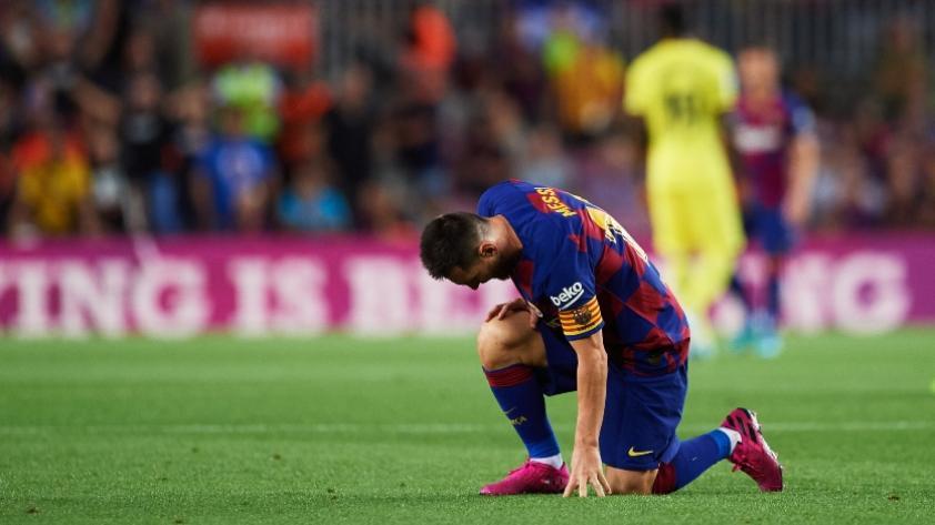 ¡Alarmas encendidas! Lionel Messi no terminó el partido frente a Villarreal y preocupa en Barcelona