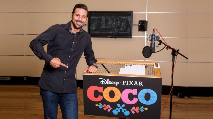 (VIDEO) Claudio Pizarro prestará su voz para película animada de Disney y Pixar