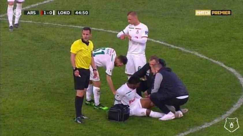 ¡Se encienden las alarmas! Jefferson Farfán salió lesionado del partido del Lokomotiv