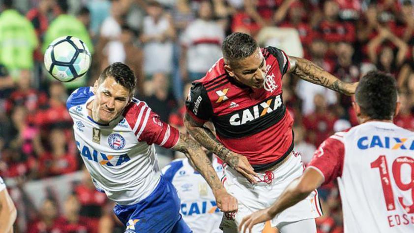 Paolo Guerrero salió por precaución en la victoria del Flamengo