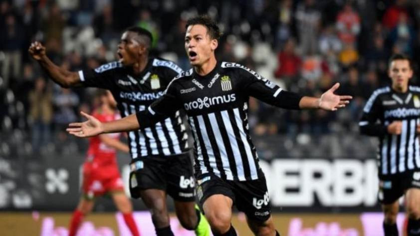 Benavente anota golazo desde fuera del área en la victoria del Sporting Charleroi (Video)