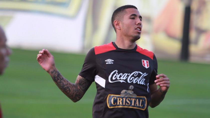 Sergio Peña abandonó la concentración de la Selección y fue trasladado a una clínica