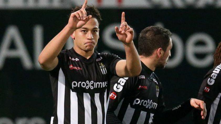 Cristian Benavente volvió a formar parte del once ideal en el fútbol de Bélgica