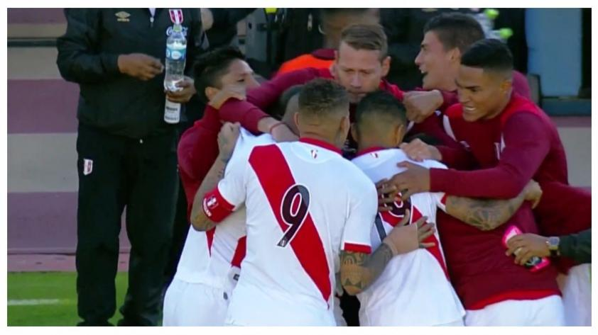 (VIDEO) ¡Paren bien las orejas! Edison Flores anotó golazo de larga distancia ante Ecuador