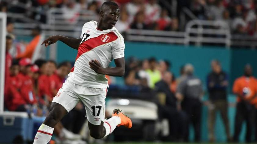 La FIFA considera a Luis Advíncula como el jugador más rápido
