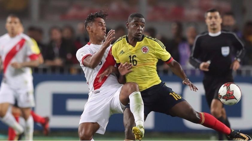 Renato Tapia reveló lo que conversó con Radamel Falcao durante el partido