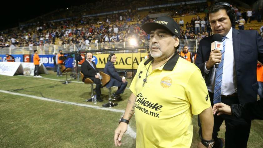 Diego Armando Maradona será investigado por altercado con los aficionados de los Dorados de Sinaloa