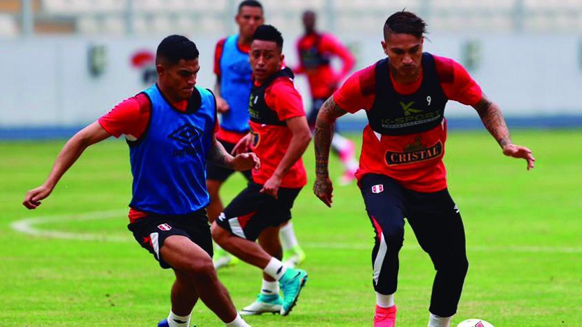 Tras entrenar en el Nacional, Perú partió a Trujillo