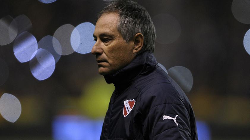 Ariel Holan no es más entrenador de Independiente