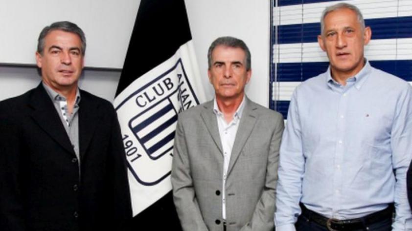 Alianza Lima: Pablo Bengoechea renovó por todo el 2018