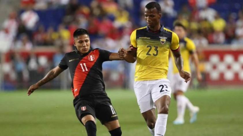 El extécnico de Raúl Ruidíaz explica por qué el delantero no logra anotar con la selección peruana