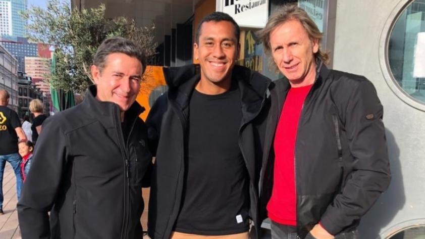 Renato Tapia recibió la visita de Ricardo Gareca en Holanda