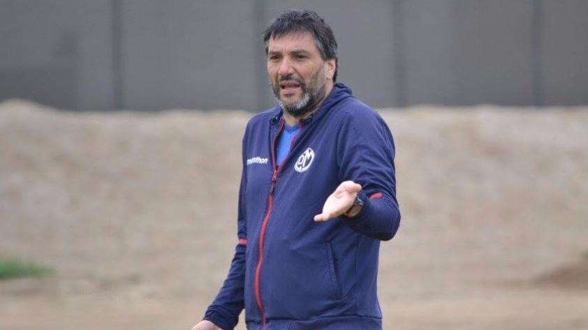 Gerardo Ameli dejó de ser entrenador de Deportivo Municipal