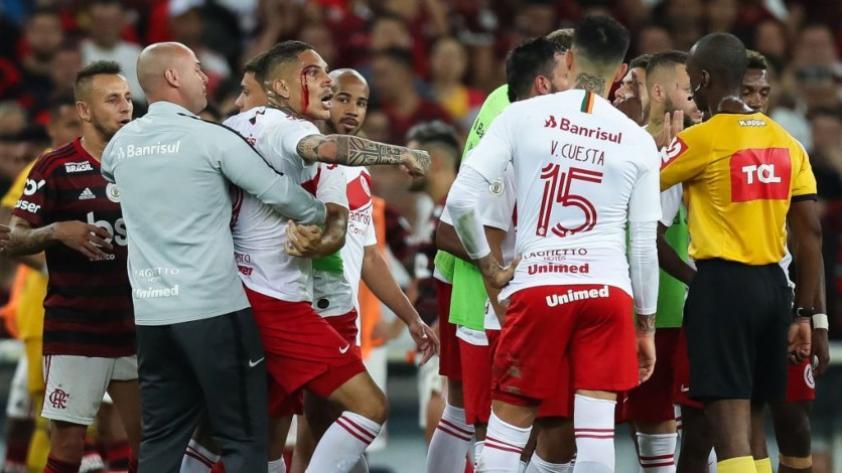 Volvieron los problemas: Paolo Guerrero fue denunciado en la Corte Superior de Deportes y podría perderse 15 partidos con el Inter de Porto Alegre