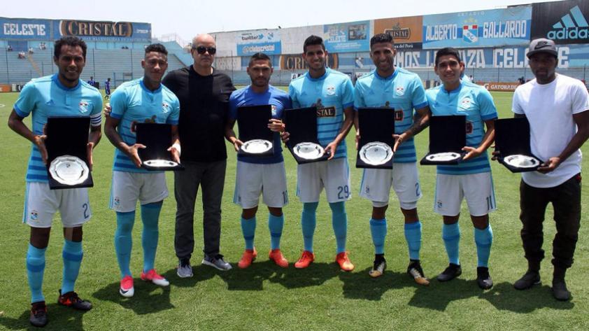 Sporting Cristal homenajeó a los jugadores que formaron parte de las Clasificatorias rumbo a Rusia 2018