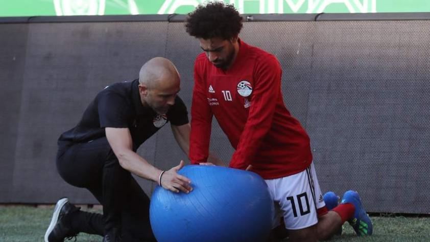 Mohamed Salah pudo entrenar y estaría presente contra Uruguay