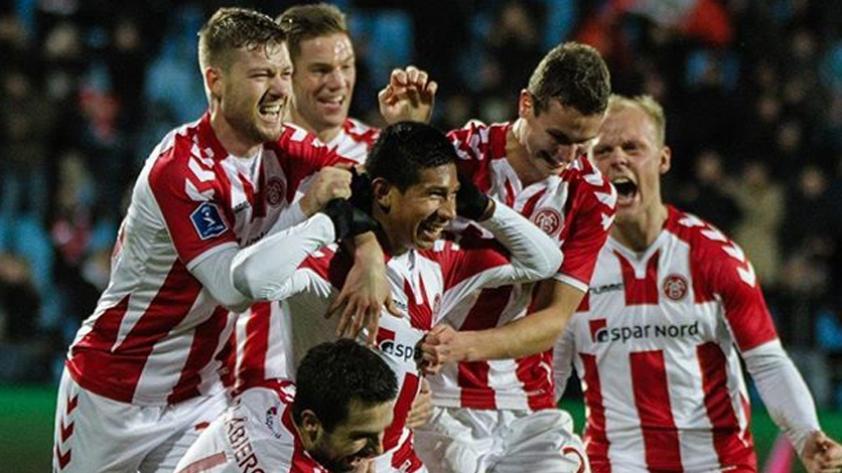 (VIDEO) Edison Flores marcó el gol del triunfo del Aalborg ante el Helsingør