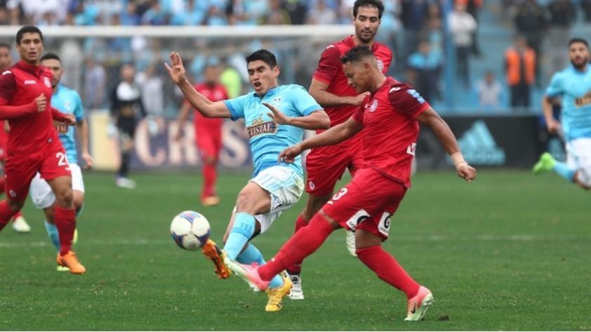 Juan Aurich venció 2-1 a Sporting Cristal y lo complica con miras a la Copa Sudamericana