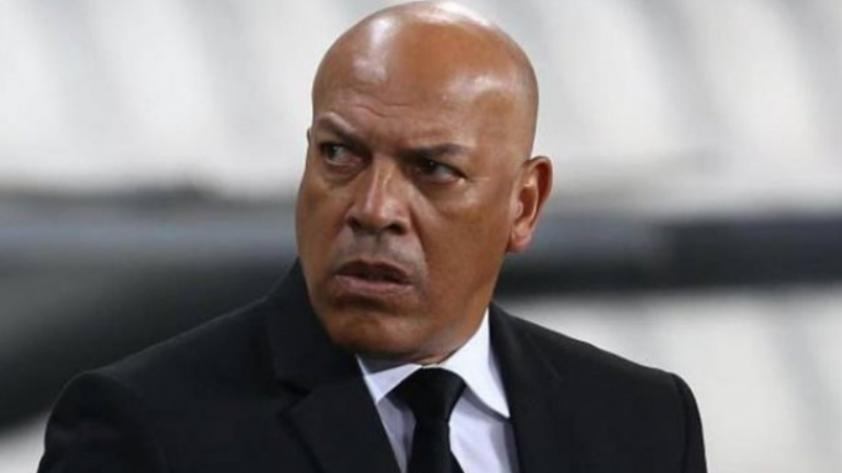 Roberto Mosquera deja Royal Pari y es voceado como entrenador de la selección de Bolivia