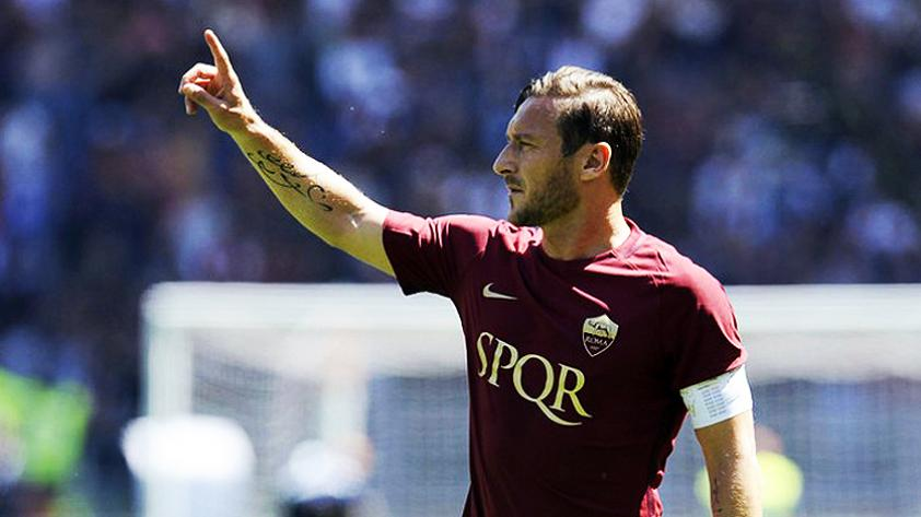¿Francesco Totti seguirá jugando?