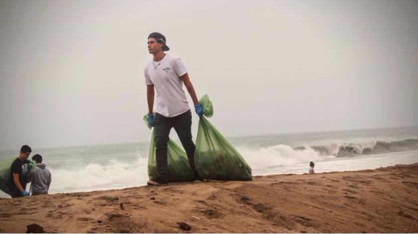 ¡Vale un Perú! Joven surfista convoca a jornada de limpieza de playas