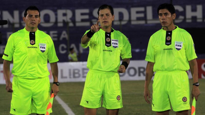 ¡Víctor Hugo Carrillo arbitrará la segunda final de la Copa Movistar!