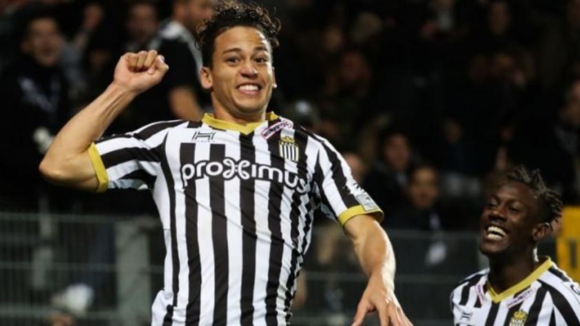 Benavente anota en la derrota del Sporting Charleroi