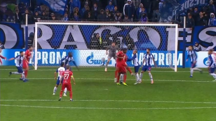 Así fue el gol de Jefferson Farfan en el partido de Lokomotiv y Porto por la Champions League (VIDEO)