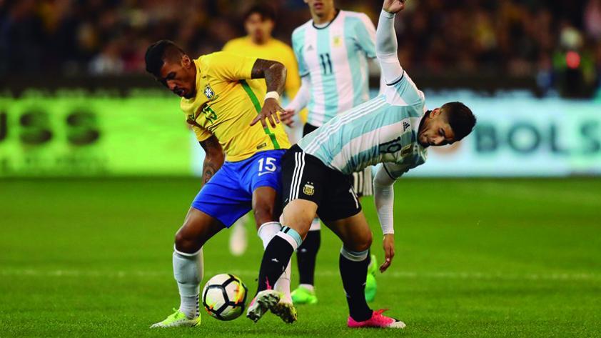 Argentina venció 1-0 a Brasil en el debut de Sampaoli como DT