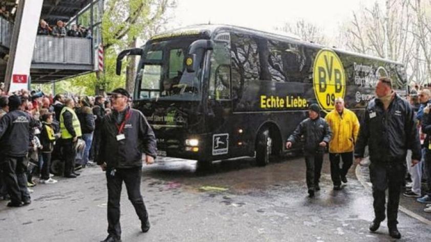 Policía alemana confirma explosión cerca al bus del Borussia Dortmund - Partido suspendido