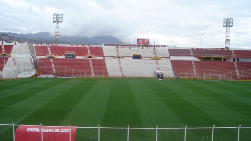 Real Garcilaso vs. Comerciantes a puertas cerradas en el Cusco