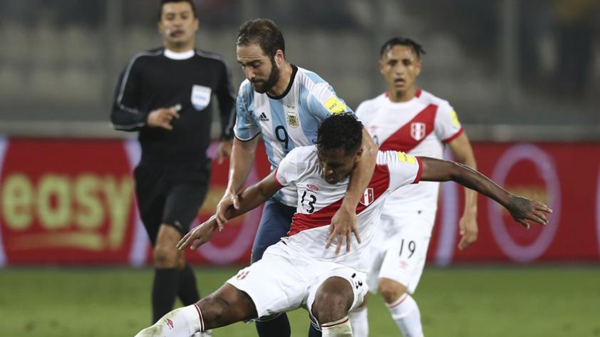 La polémica del árbitro para el Argentina - Perú