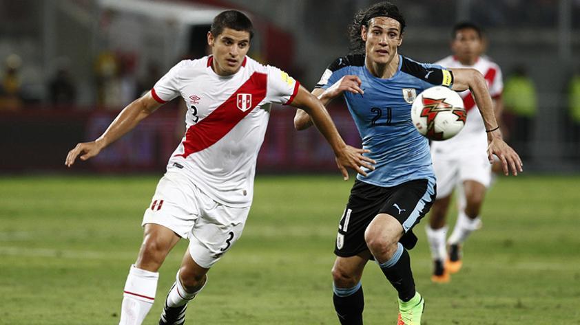 Aldo Corzo y Luis Advíncula: ¿Quién debería ser titular en la Selección?