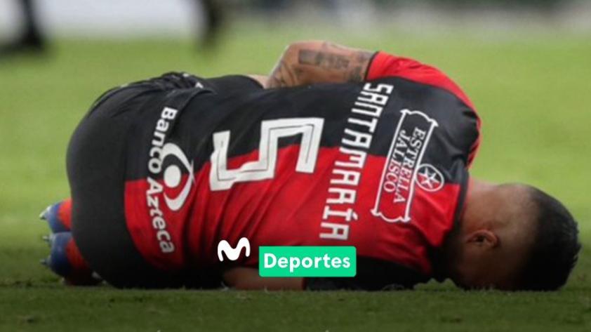 ¡Fuerza, 'Santa'! El defensa peruano Anderson Santamaría sufrió la rotura del ligamento cruzado de su rodilla derecha