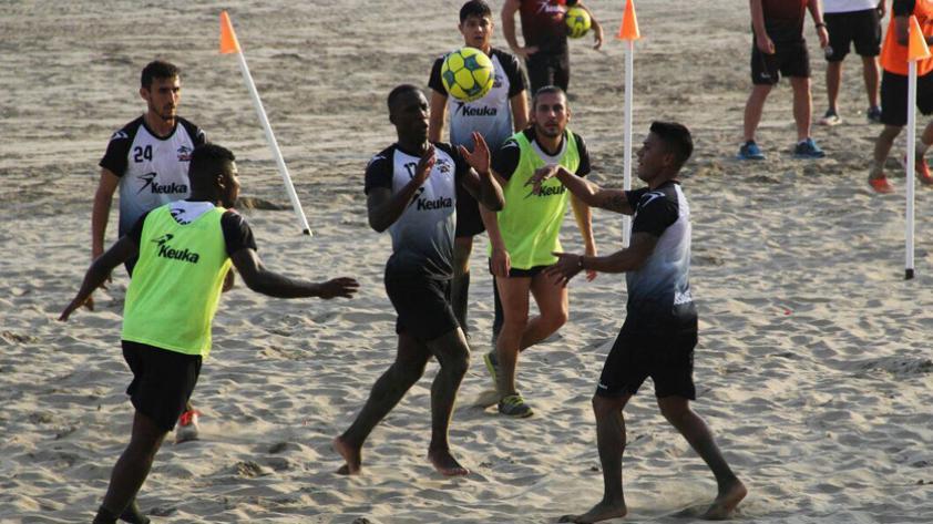 Lobos BUAP con Advíncula y Aquino continúa sus entrenamientos